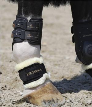 Kentucky Horsewear Fesselschutz Lammfell